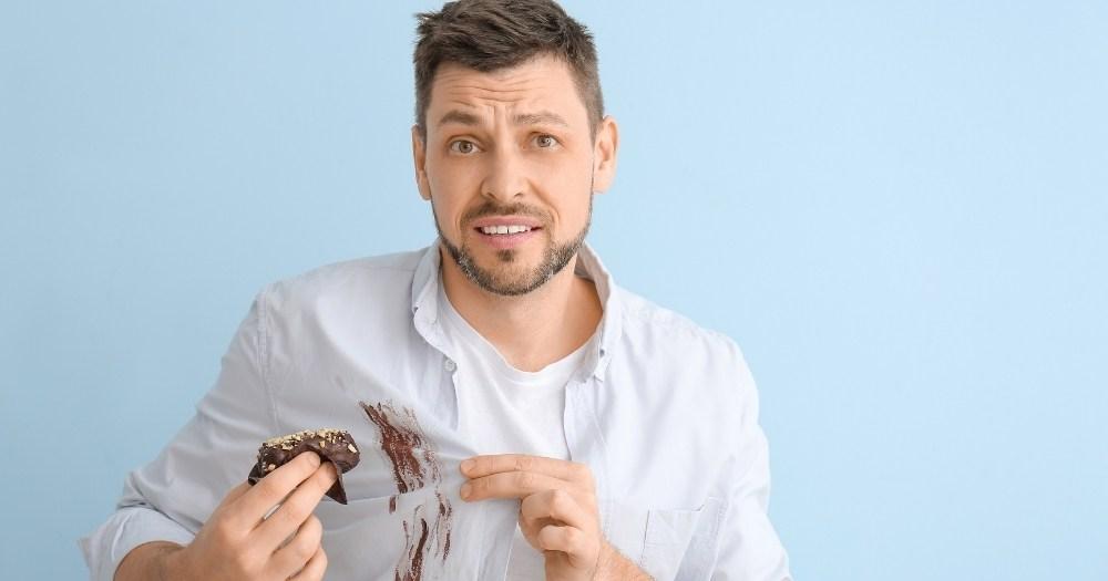 Λεκές από σοκολάτα, πουκάμισο